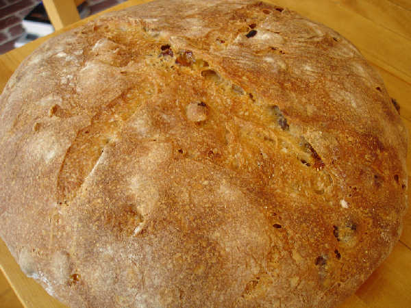 Sourdough Raisin Bread Crust